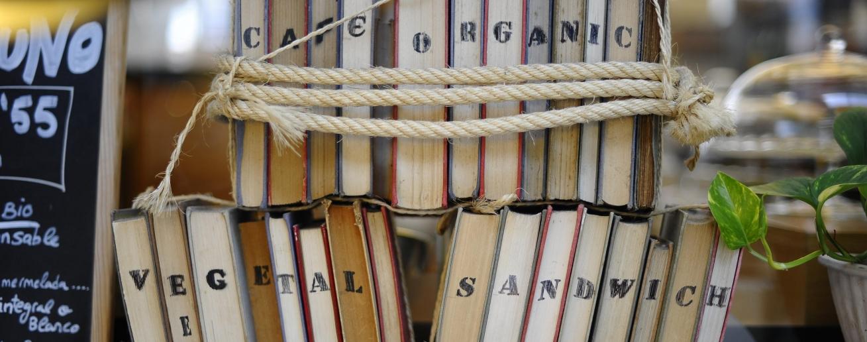 libros-reciclados-apaisado-e1454419931552