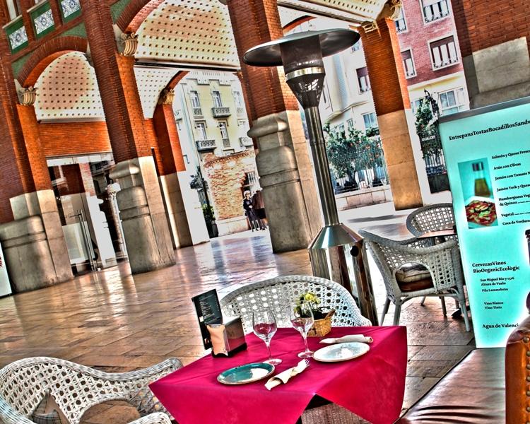 terraza interior Mercado de Colón